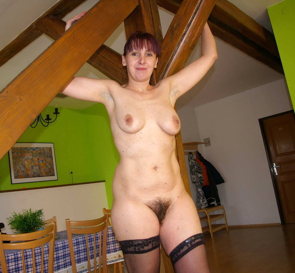 Horny house wifes nude pics