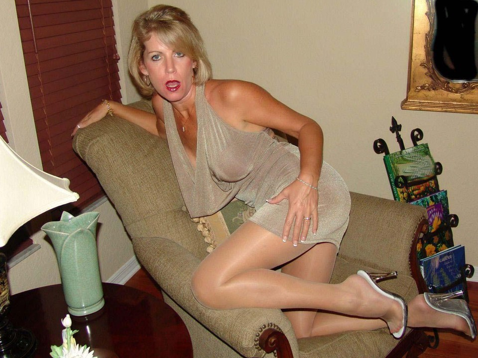 Amateur wife fucked in a dress